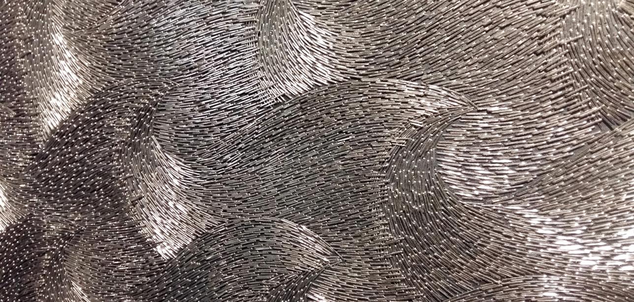 Sasha Huberin The Sea of the Lost -teoksen niittimeri saatiin kiiltämään valolla upeasti