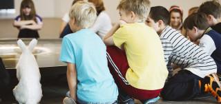 Lapsia Wäinö Aaltosen museossa